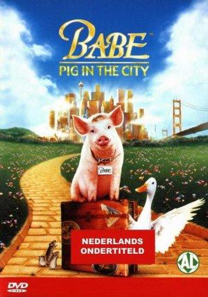 Schweinchen Babe in der großen Stadt 561x798