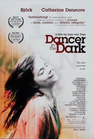 Táncos a sötétben 1570x2325