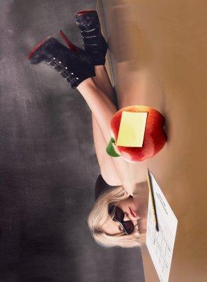 Bad Teacher 3667x5000