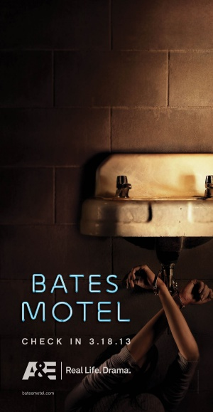 Bates Motel 900x1738