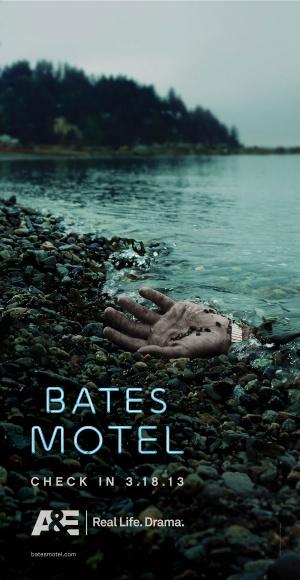 Bates Motel 900x1740