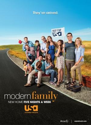 Modern Family 2206x3000